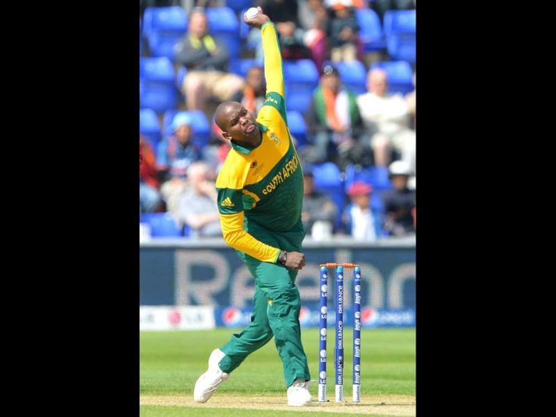South African bowler Lonwabo Tsotsobe bowls during the 2013 ICC Champions Trophy cricket match between India and South Africa at the Cardiff Wales Stadium in Cardiff, Wales. AFP photo
