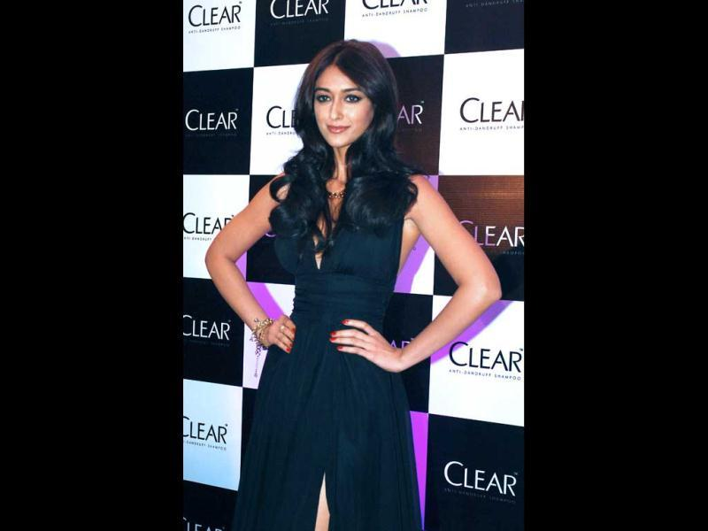 Ileana D'Cruz poses for the cameras as during the launch of CLEAR, a new range of shampoo in Mumbai on June 6, 2013. (AFP Photo)
