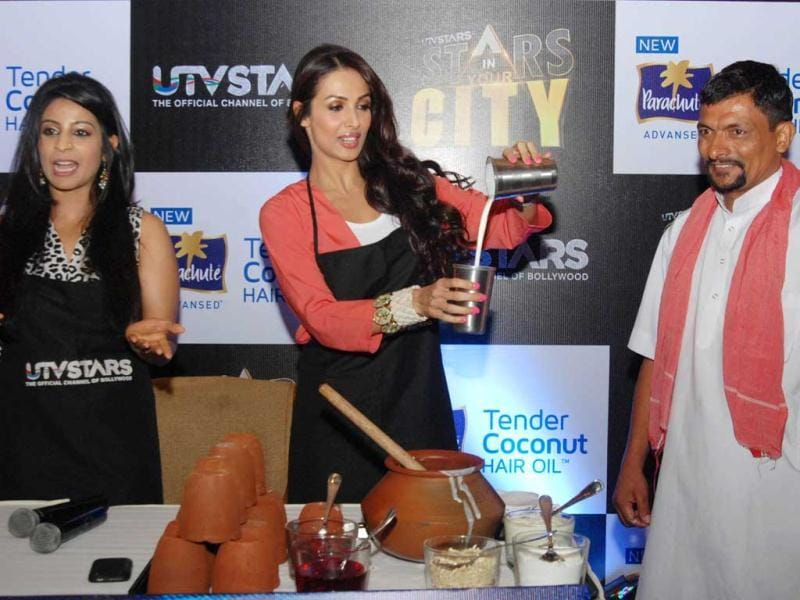 Malaika at a programme preview of Stars in Your City with host Garima Kumar in New Delhi. (UNI Photo)