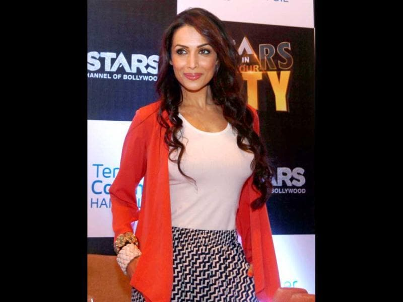 One of the yummiest mummies in B-town, Malaika Arora Khan sports an ultra chic look at a recent UTV event. Check her out!