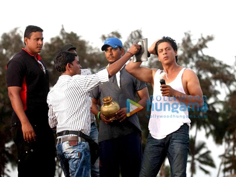 All set! Shah Rukh Khan gets ready for his shot.