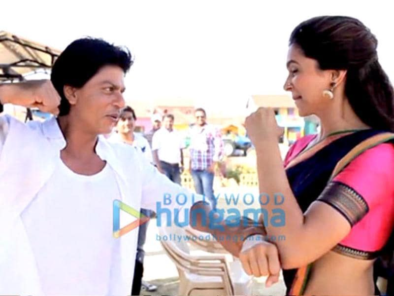 Shah Rukh gives it back to Dippy.