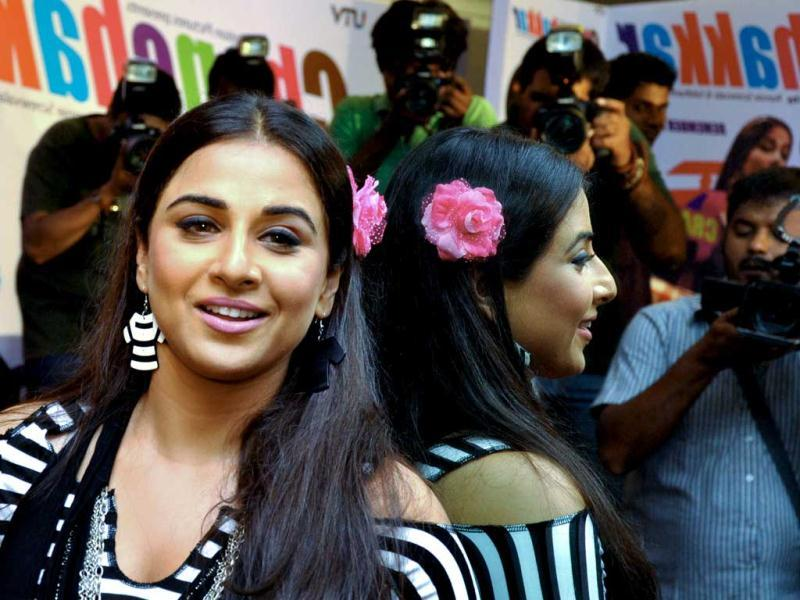 Vidya Balan poses for the photographers during the promotion of upcoming Hindi film Ghanchakkar in Mumbai on June 12, 2013. (AFP PHOTO)