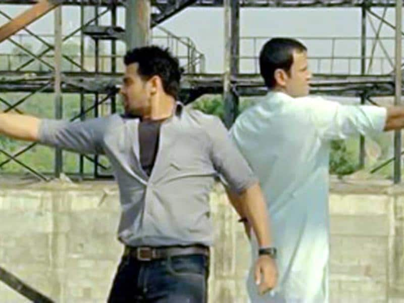 Mimoh aka Mahaakshay has earlier worked in Haunted 3D, Jimmy and The Murderer apart from the Bengali film Rocky.