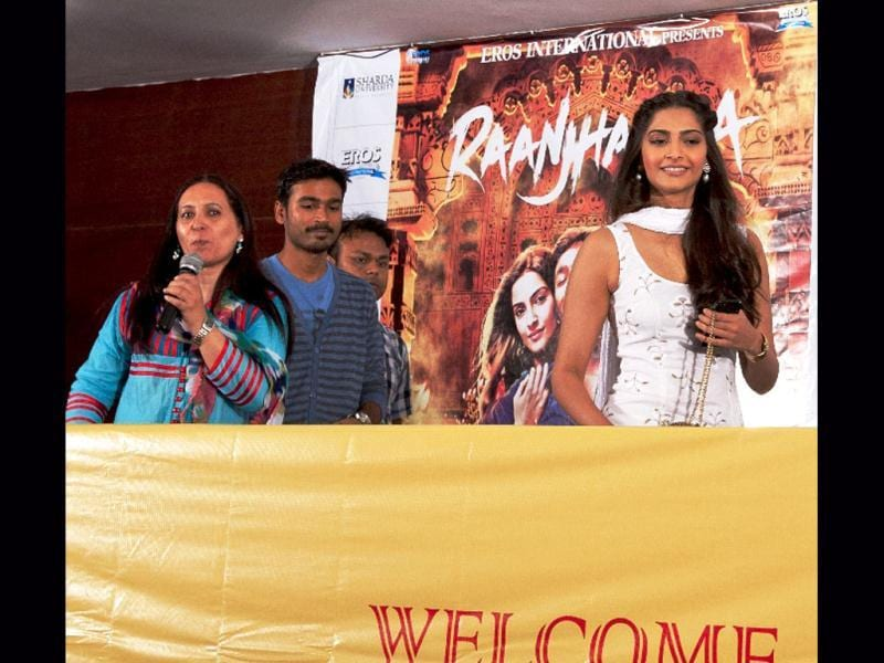 Actor Sonam Kapoor in white suit as she interacts with Delhi students. Sonam and Dhanush had loads of fun with a group of students in Noida before addressing a press con in Delhi.