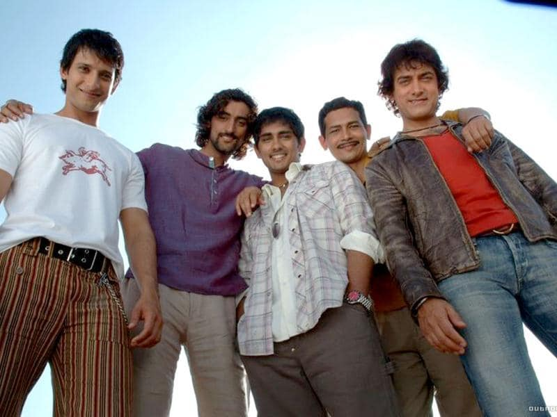 Actor Siddharth (center) with team Rang De Basanti