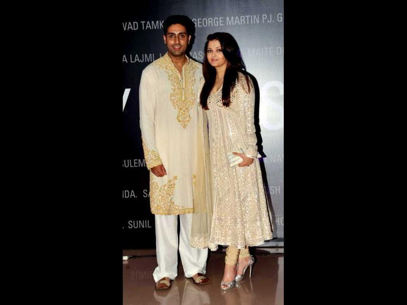 Aishwarya in another set of anarkali with hubby Abhishek. (AFP Photo)