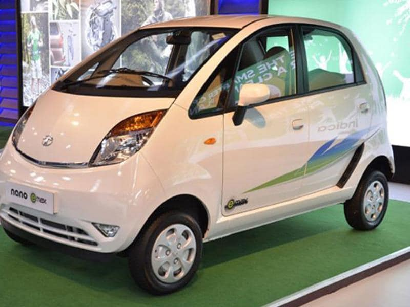 Tata Nano CNG gets special graphics on the exteriors and a prominent e-max badging