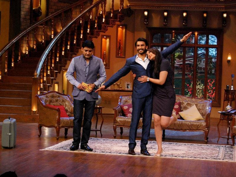 Ranveer Singh and Sonakshi Sinha had their share of fun with comedian Kapil when they visited the sets of Comedy Nights with Kapil. The actors were promoting their upcoming film Lootera. Take a look.