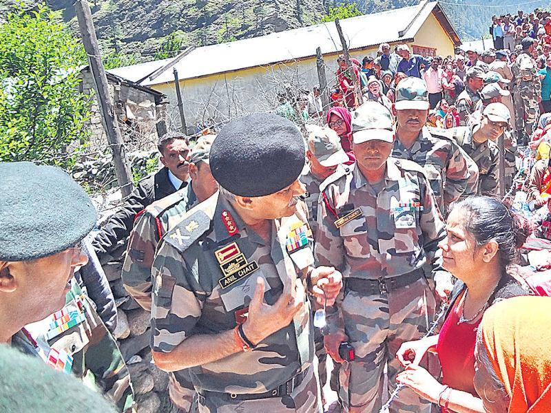 Lt Gen Anil Chait takes stock of the situation at the Army camp, consoling those affected. (HT Photo/Prasad Nichenametla)