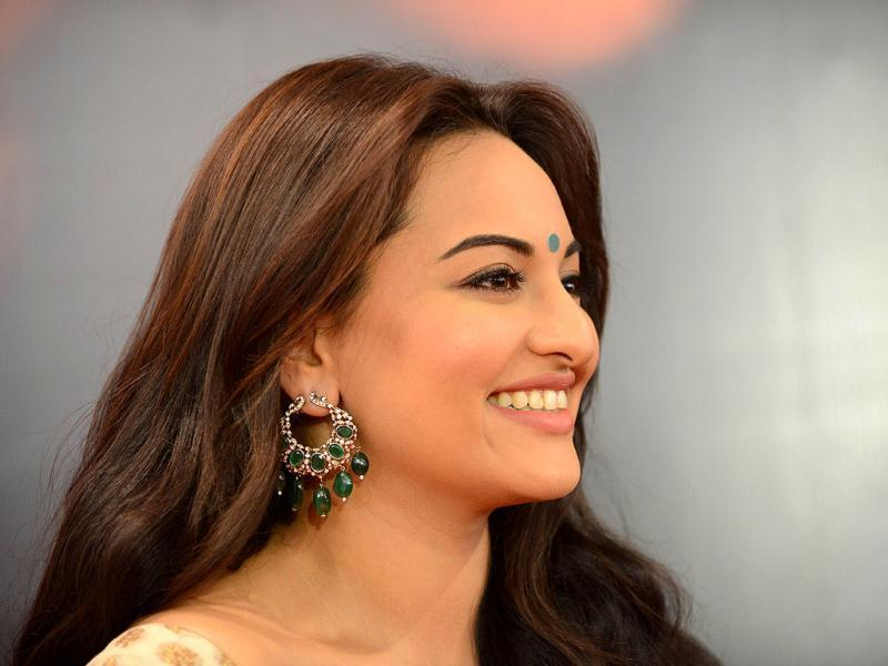 Sonakshi makes for a pretty pose. (AFP Photo)
