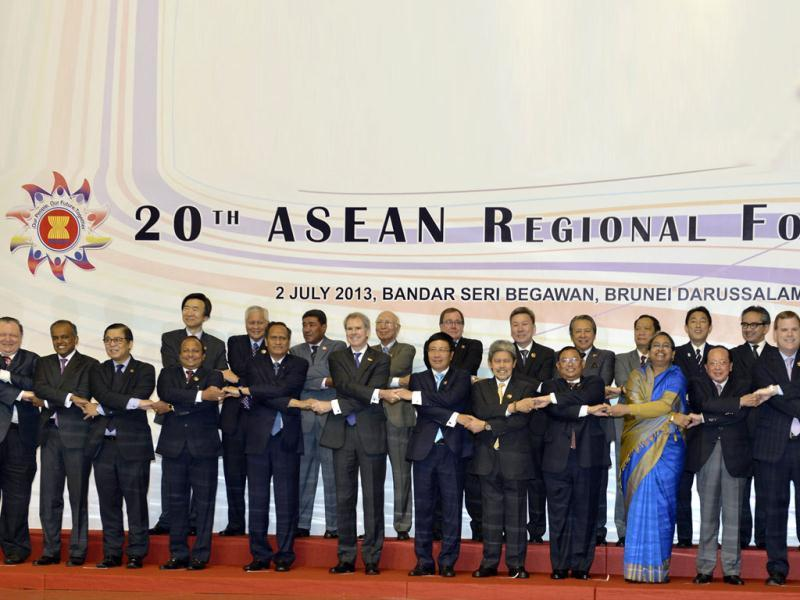 Foreign ministers and secretary-generals of the Association of Southeast Asian Nations (ASEAN) and their dialogue partners pose for a group photo during the 20th ASEAN Regional Forum in Bandar Seri Begawan. (Reuters)