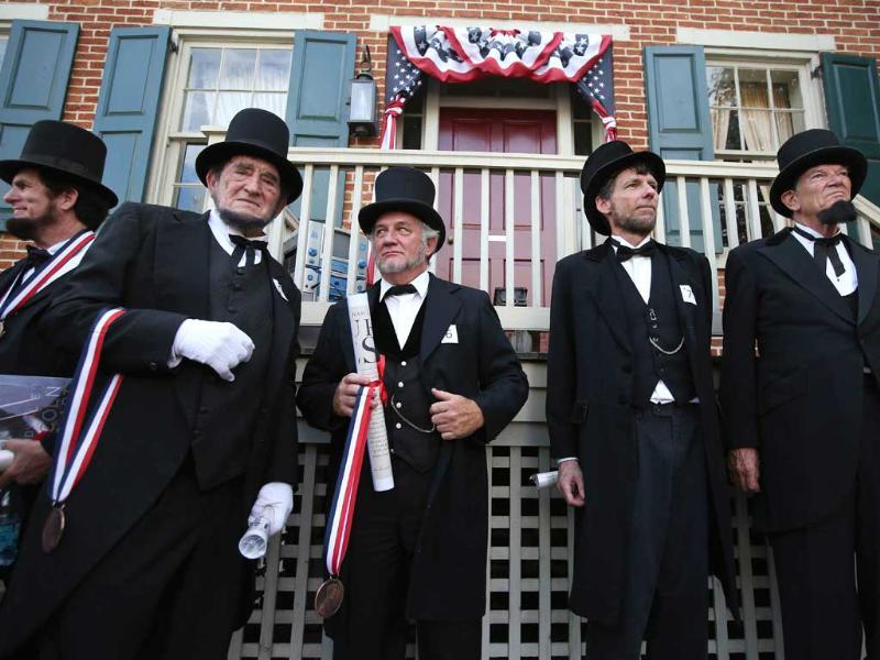 Constestants take part in an Abraham Lincoln look-alike contest on the 150th anniversary of the historic Battle of Gettysburg in Gettysburg, Pennsylvania. AFP Photo