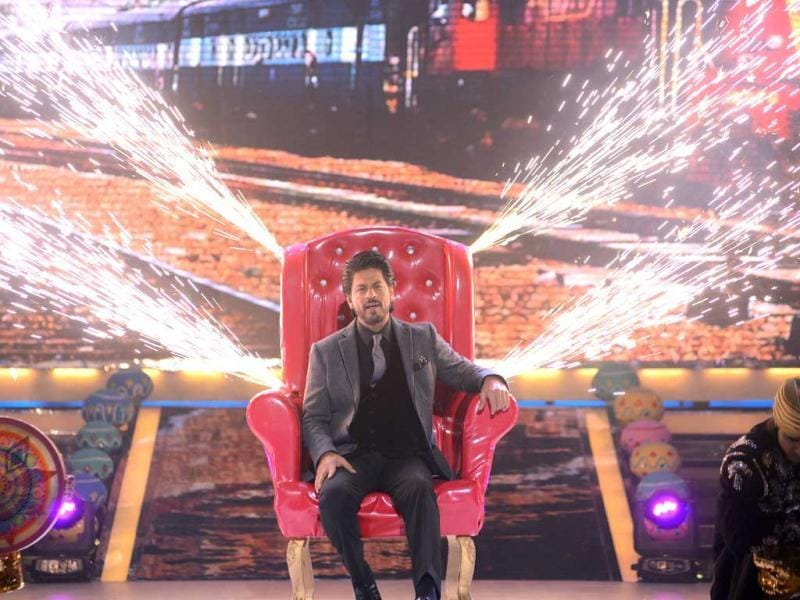 Shah Rukh Khan on the sets of Jhalak Dikhhla Jaa.