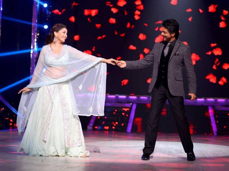 SRK was on Jhalak Dikhhla Jaa sets to promote his upcoming film Chennai Express.