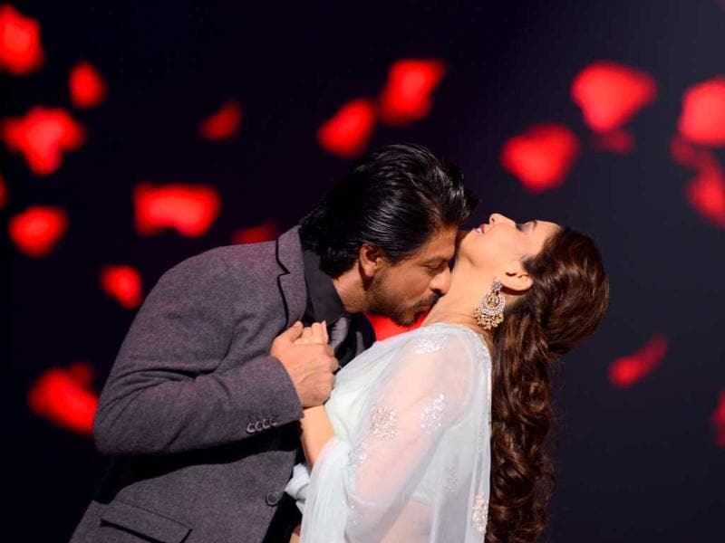 Shah Rukh Khan and Madhuri Dixit Nene recreated the romantic magic of the 90s when the king Khan visited the sets of Jhalak Dilkhhla Jaa. The duo performed on romantic numbers and took the audience back to Dil To Pagal Hai days. Browse through.