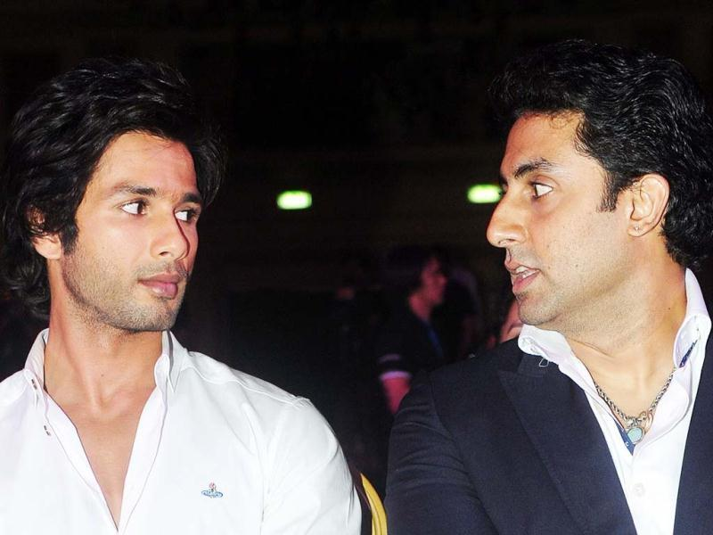 Discussing Kapoors? Shahid Kapoor and Abhishek Bachchan at the opening press conference of IIFA 2013 at The Venetian hotel in Macau on July 4. (AFP Photo)