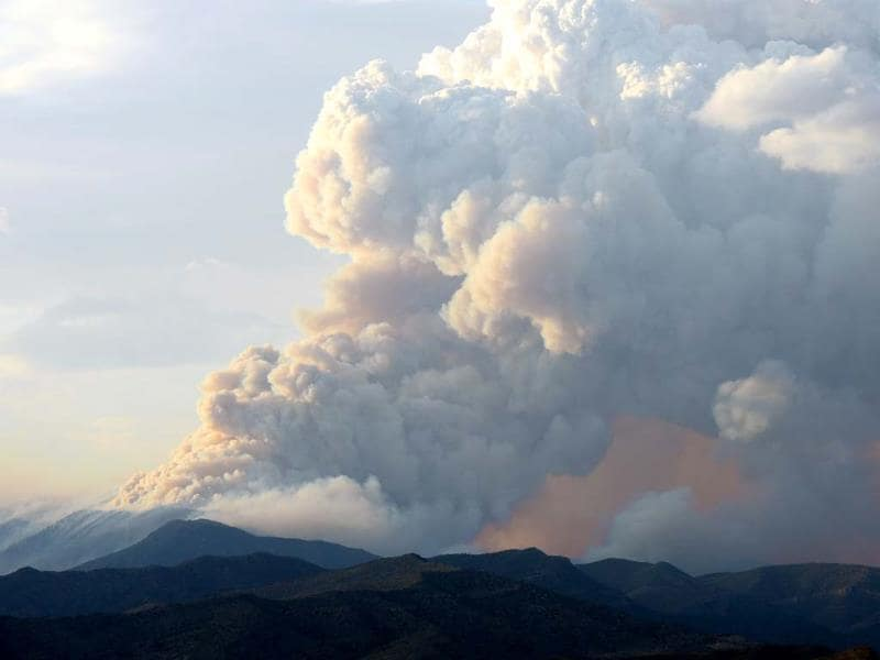 Smoke billows from the Carpenter 1 fire in the Spring Mountains range in Nevada. (AFP)