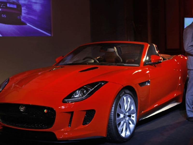 The Jaguar F-Type S is US $ 245,513 and the top model F-Type V8S is US $ 273,810.75. Photo:AP/Rafiq Maqbool