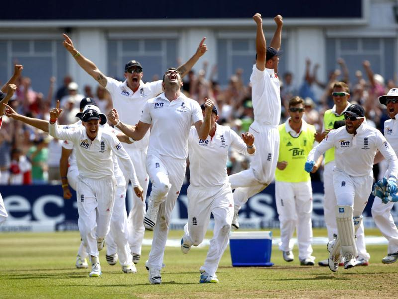 England celebrate beating Australia on the last day of the first Ashes Test match at Trent Bridge cricket ground in Nottingham, central England. (Reuters Photo)