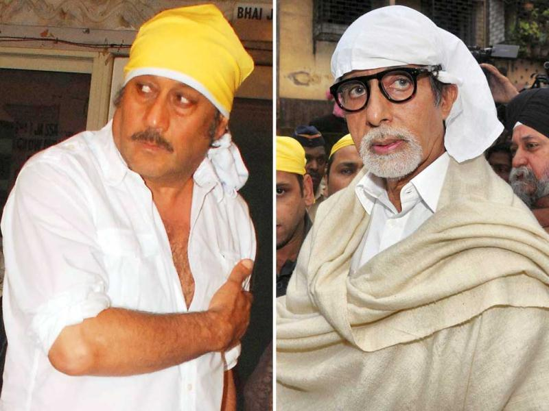 Bollywood and other celebrities were seen at the prayer meet held for late actor Pran at his residence. Take a look at who all was there.