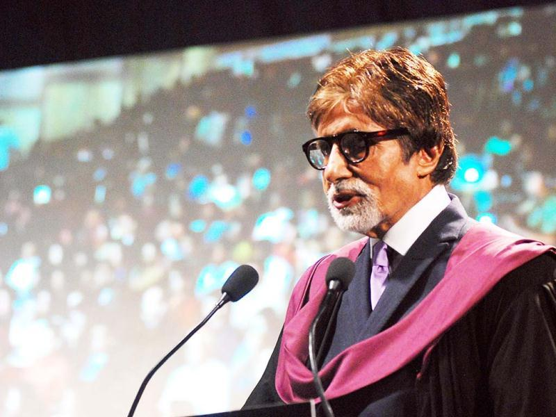 Amitabh Bachchan was seen adressing the proud parents at Whistling Woods convocation ceremony