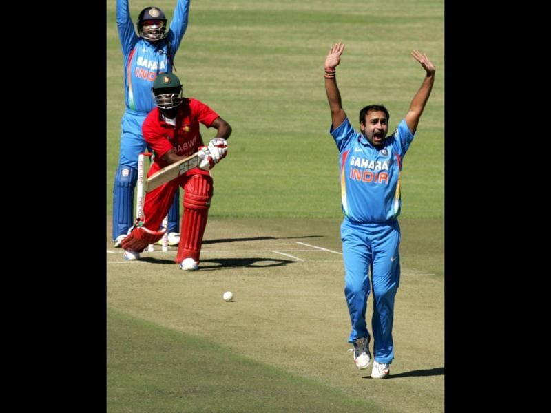 Amit Mishra appeals for the wicket of Zimbabwe batsman Vusimuzi Sibanda during the first of five ODI series match between India and Zimbabwe at the Harare Sports Club . (AFP photo)