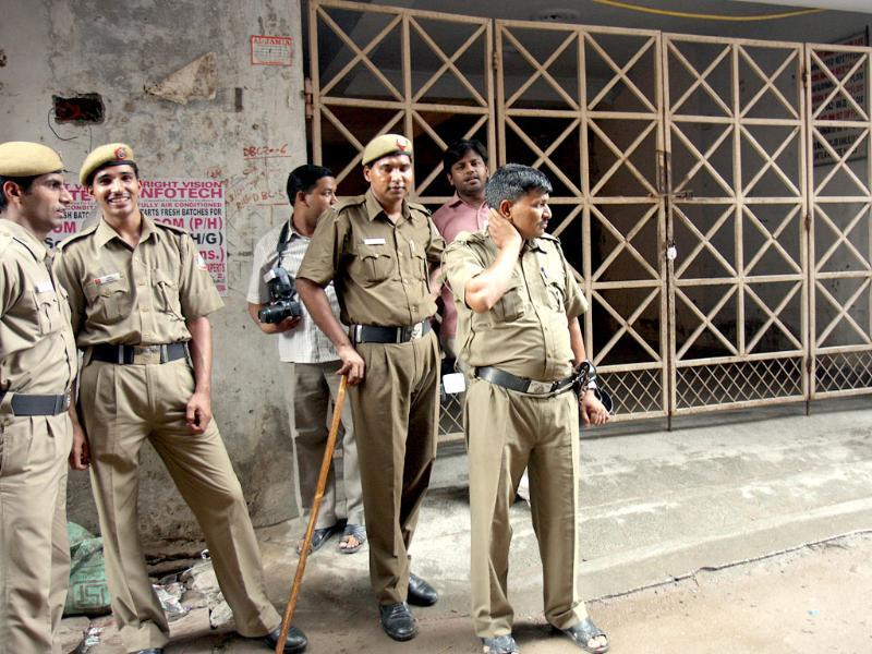 File photo: Delhi Police special cell team at the encounter spot after the two suspected militants were killed during an encounter, in Jamia Nagar, New Delhi. (HT Photo/Sunil Saxena)