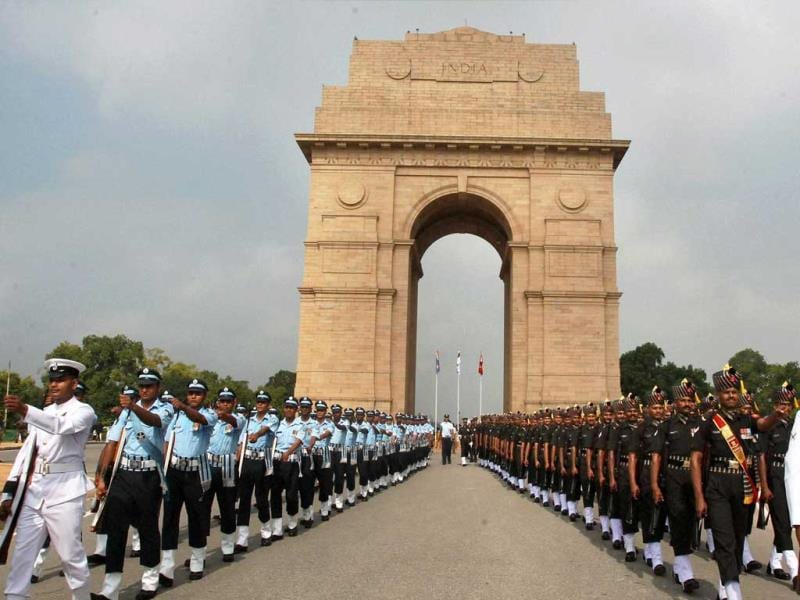 Inter-Services personnel march near Amar Jawan Jyoti at India Gate during a ceremony to pay homage to Kargil war martyrs on the occasion of Vijay Diwas in New Delhi. (PTI Photo)