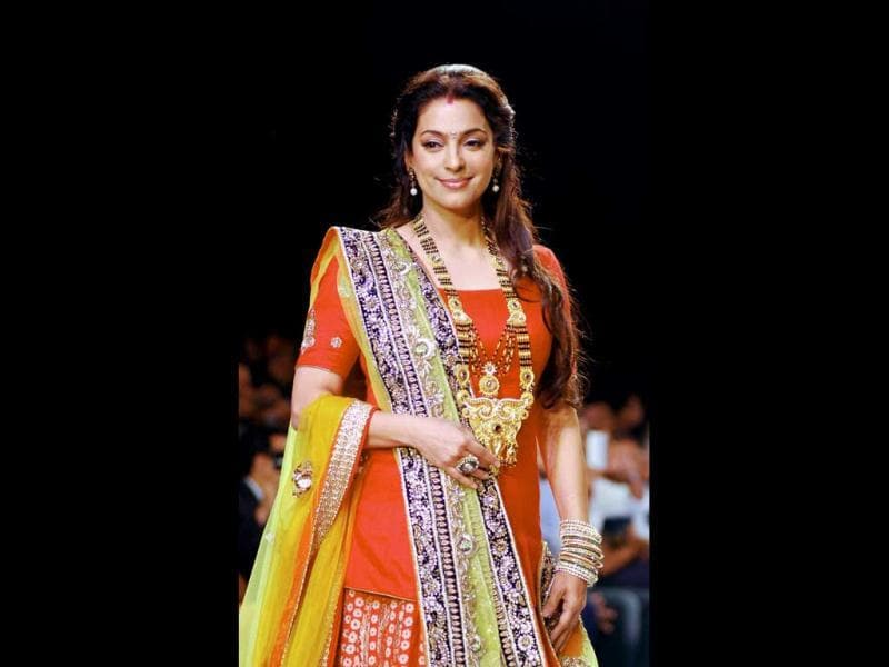 Juhi Chawla walks the ramp for 'Shringar' at the 4th edition of India International Jewellery Week 2013. (AFP Photo)