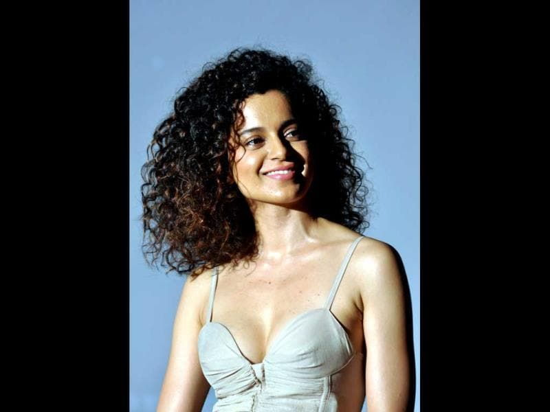 Kangy's stalking episodes top the bizzare list. First, in 2009, a man in his 20s went on a hunger strike for Kangana. Later, in 2010, a man named Akash Bhardwaj wrote love letters to her assuming that she was in love with him too. He was later arrested.
