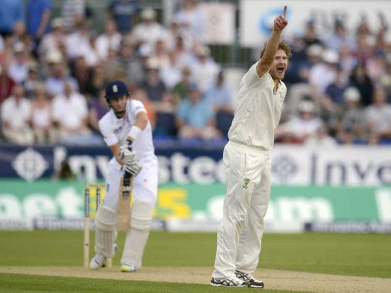 Australia's Shane Watson appeals and dismisses England's Joe Root (L) during the fourth Ashes Test at the Riverside ground in Chester-le-Street. (Reuters Photo)