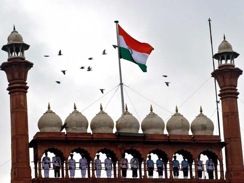 Indian Armed force personnnel stand on the minarets during the full dress rehearshal for the 67th Independence Day celebrations at the Red Fort in New Delhi. (AFP Photo)