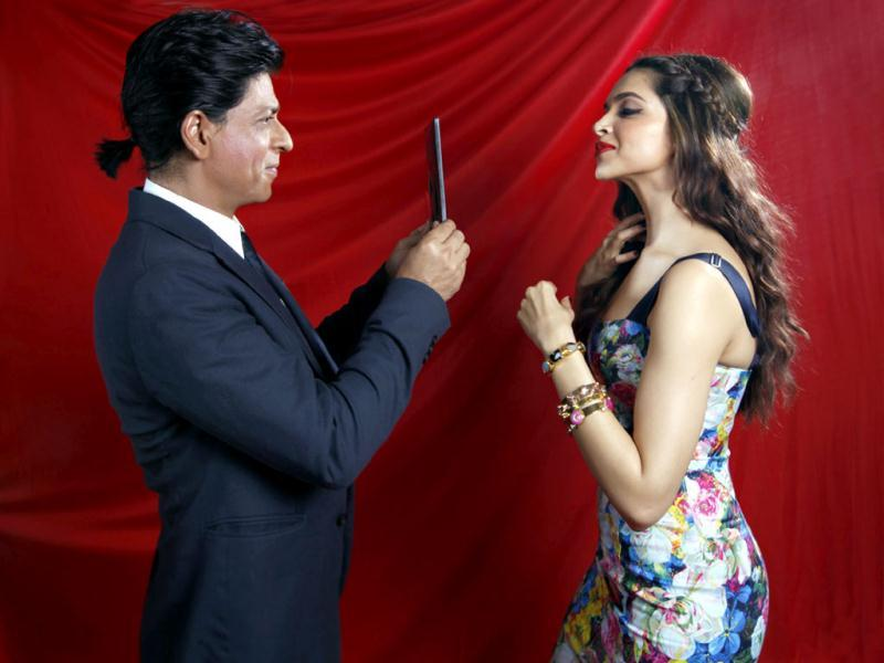 Checking me out? Eh, Shah Rukh?