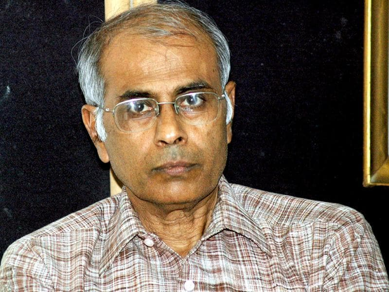 Activist Narendra Dabholkar, who was trying to get an anti-superstition and black magic bill passed, was shot dead in Pune on Tuesday morning. (HT Photo)
