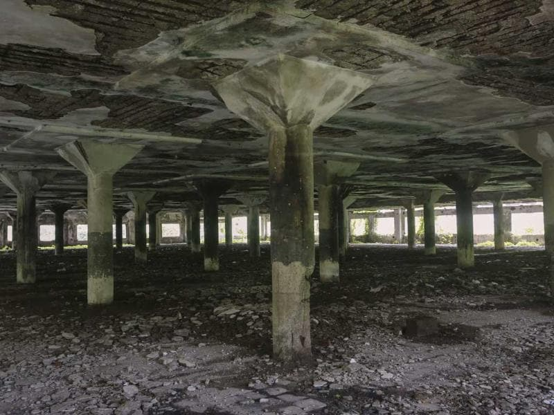 A general view of the abandoned textile mill where a photo journalist was raped by five men, in Mumbai. (AFP Photo)