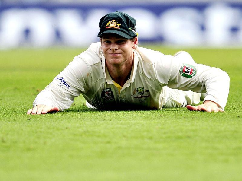 Australia's Steve Smith reacts after missing a catch during the third day of the fifth Ashes Test at The Oval in London. (AFP Photo)