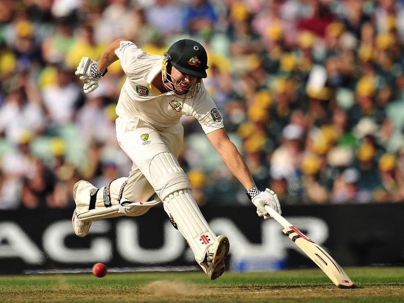 Australia's James Faulkner makes his ground during play on the fifth day of the fifth Ashes cricket test match between England and Australia at The Oval cricket ground in London. (AFP Photo)