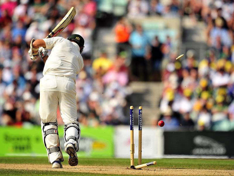 Australia's Ryan Harris is bowled by England's Stuart Broad (not pictured) during play on the fifth day of the fifth Ashes cricket test match between England and Australia at The Oval cricket ground in London. (AFP Photo)