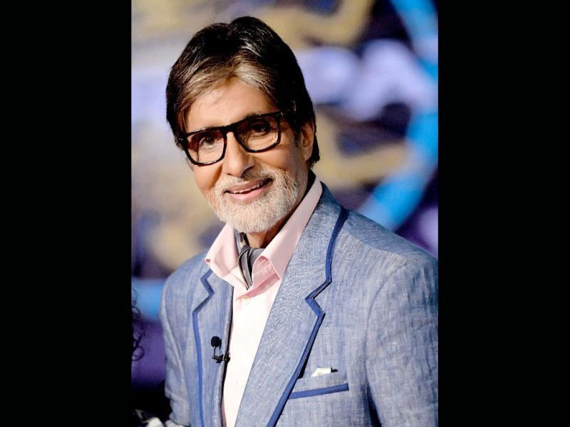 Amitabh Bachchan is all set, rehearsing for the TV game show Kaun Banega Crorepati (KBC) 7, starting from September 15. Take a sneak peek at stills from the sets. (Photo: Facebook/AmitabhBachchan)
