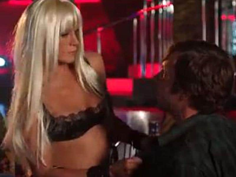 Yes, that's Jenny from the block! Aniston plays a stripper in the film.