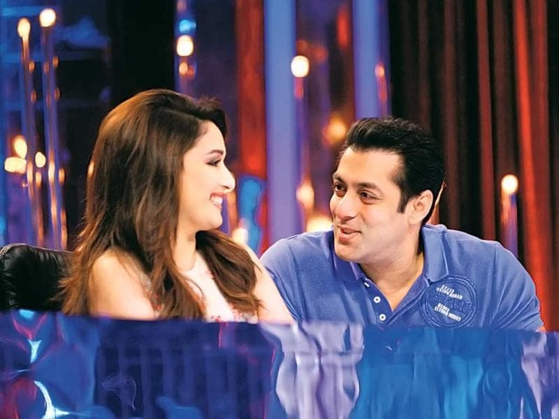 Salman Khan and Madhuri Dixit share a sweet moment on the sets of Jhalak Dikhhla Jaa.