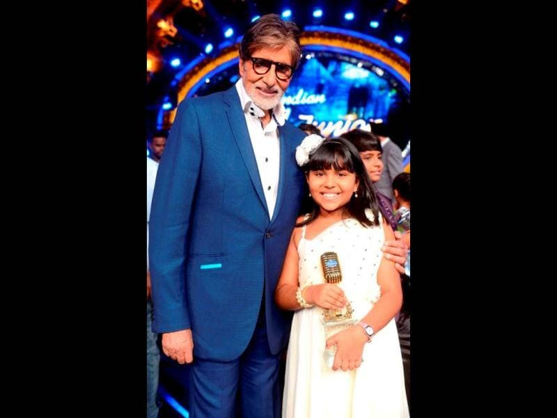 Posing with India's idol: Indian Idol Junior winner Anjana Padmanabhan with megastar Amitabh Bachchan.