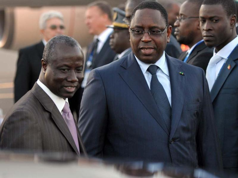 Senegal's president Macky Sall arrives at Saint Petersburg's airport ahead of the G20 Summit. (AFP Photo)