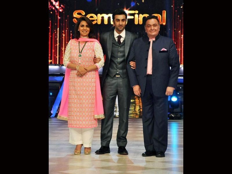 Ranbir Kapoor on the sets of Jhalak Dikhhla Jaa with parents Rishi Kapoor and Neetu Singh.