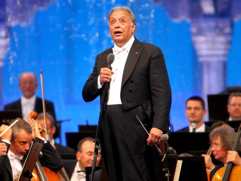 Music Mastro Zubin Mehta performs during Ehsaas-e-Kashmir Concert, at Shalimar Garden in Srinagar. (PTI Photo)