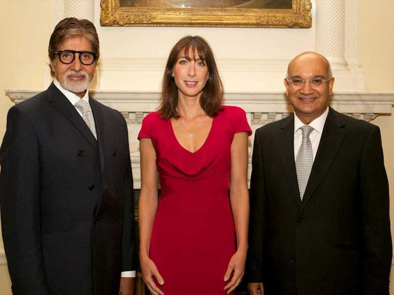 Actor Amitabh Bachchan with the wife of British PM David Cameroon, Samantha Cameroon. (Photo: Facebook/SrBachchan)