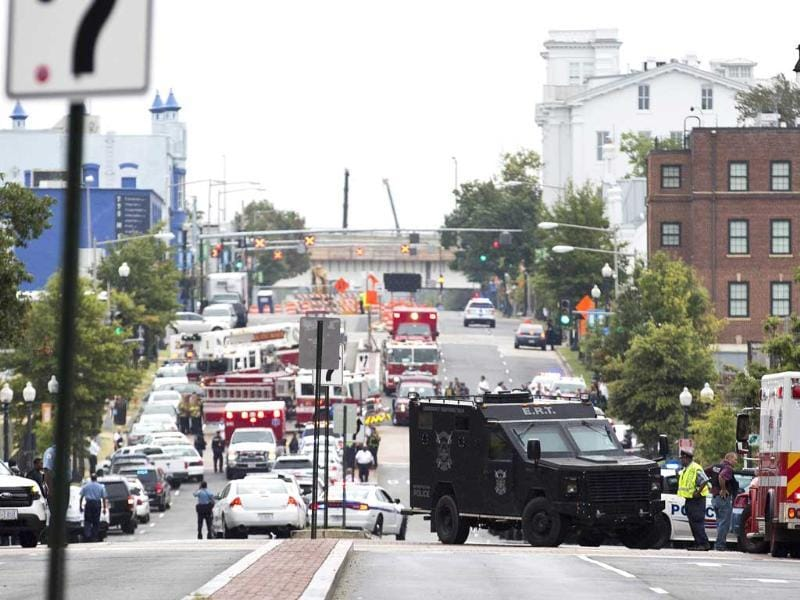 Police block off the M Street, SE, as they respond to a shooting at the Washington Navy Yard in Washington. (Reuters Photo)