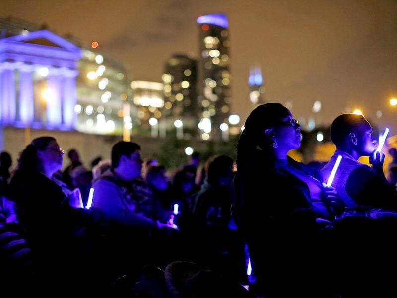 Chicago Police officers and family members attend the 10th Annual Chicago Police Memorial Foundation's Candlelight Vigil in Chicago, Illinois. (Reuters)