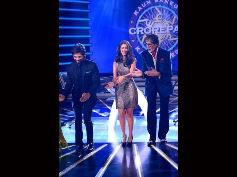 Shahid Kapoor gives dance lessons to Big B | entertainment | photos